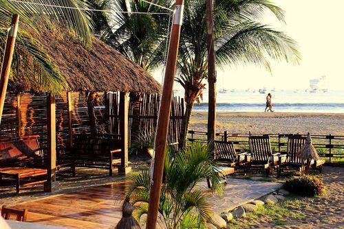 Bambu Beach Bar & Restaurant